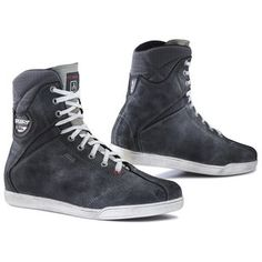 The TCX X-Rap Gore-Tex Shoes feature a vintage look that meshes seamlessly with the modern fashion trends of today. Stylish yet functional, these shoes work ...