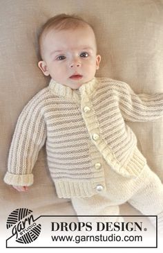 Little Darcy - Knitted baby jacket in garter st with stripes and rib edges in DROPS Karisma. Size 0 – 4 years - Free pattern by DROPS Design Baby Knitting Patterns, Knitting For Kids, Baby Patterns, Free Knitting, Baby Boy Sweater, Knit Baby Sweaters, Boys Sweaters, Baby Cardigan, Drops Design