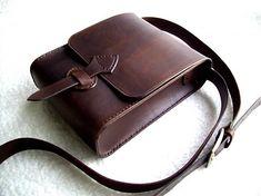 Taska na plece dostupna v roznych farebnych odtienoch podla zelania