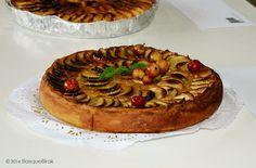 Sagar uzta eguna Astigarragan. Concurso de tartas de manzana. Apple tart contest. Concours de tartes aux pommes. ....................................... www.basquebirak.com #astigarraga #donostia #sansebastian #basquecountry #ciderhouse #cidermaking