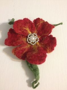 Felted flower brooch by www.conspiracyofloveart.com
