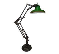 Lanterna Reta com Alça R$1.191