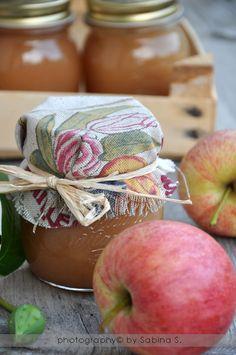 Due bionde in cucina: Confettura di mele e petali di rosa