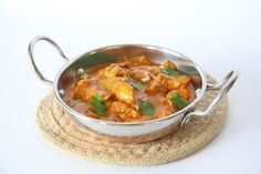 Butter Chicken is usually packed with ghee and ground cashews making it very high in fat. My healthy version has just of fat per serve Indian Food Recipes, Healthy Recipes, Ethnic Recipes, Best Cookbooks, Butter Chicken, Main Meals, Healthy Choices, Main Dishes