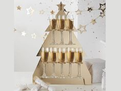 Watch your guests faces light up when they see our Prosecco Wall. Make your very own Prosecco corner that will keep your guests happy. A great finishing touch t Rose Gold Christmas Decorations, Gold Wedding Decorations, Bridal Shower Decorations, Christmas Themes, Holiday Decor, Prosecco Drinks, Drink Stand, Birthday Gift Bags, Cool Christmas Trees