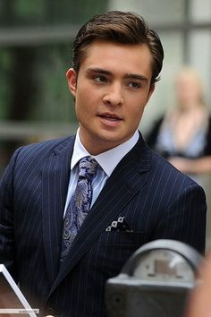 """Edward """"Ed"""" Westwick. Why can't there be a real life Chuck Bass? Ed Westwick, Estilo Gossip Girl, Gossip Girls, Im Chuck Bass, Chuck Blair, Gentleman Style, Perfect Man, Man Crush, Favorite Tv Shows"""