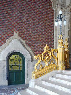 Entrée du musée des arts décoratifs de Budapest