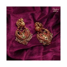 Buy Jewellery Online in India Real Gold Jewelry, Gold Jewelry Simple, Royal Jewelry, Indian Jewelry, Gems Jewelry, Gold Earrings Designs, Gold Jewellery Design, Jewellery Diy, Antique Jewellery