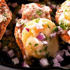 Pineapple Baked Chicken Has Major Hawaiian Pizza Vibes Turkey Burger Recipes, Meat Recipes, Gourmet Recipes, Cooking Recipes, Healthy Recipes, Cooking Hacks, Skillet Recipes, Cooking Tools, Good Food