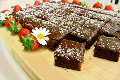Real Norwegian Chocolate Sheet Cake, the best!no Yummy Treats, Sweet Treats, Yummy Food, Decadent Food, Norwegian Food, Just Eat It, Swedish Recipes, Eat Dessert First, What To Cook