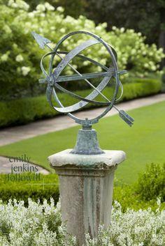 Bohemian Garden Decor Ideas- Get a Boho-Inspired Look! Garden Spheres, Garden Urns, Landscape Design, Garden Design, Parks, Garden Features, Water Features, White Gardens, Garden Structures