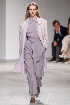 Agnona Spring 2020 Ready-to-Wear Fashion Show - Vogue 2020 Fashion Trends, Fashion Week, Fashion 2020, High Fashion, Haute Couture Style, Vintage Vogue, Vogue Cover, Catwalk Fashion, Fashion Show Collection