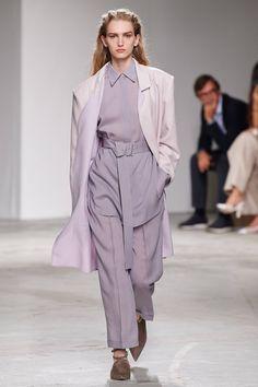 Agnona Spring 2020 Ready-to-Wear Fashion Show - Vogue 2020 Fashion Trends, Fashion Week, Fashion 2020, High Fashion, Haute Couture Style, Vintage Vogue, Vogue Cover, Catwalk Fashion, Fashion Show Collection