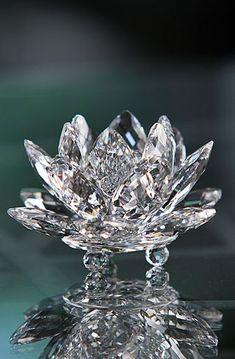 Swarovski Crystal Figurines, Swarovski Jewelry, Gems Jewelry, Swarovski Crystals, Jewelery, Fine Jewelry, Cut Glass, Glass Art, Magical Jewelry