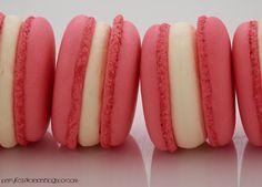 makaroniki jogurtowe z konfiturą z malin i jeżyn  (yogurt / raspberry / blackberry)