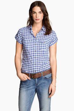 H&M tilbyr mote og kvalitet til beste pris H&m Fashion, Cute Fashion, Fashion Outfits, Womens Fashion, Kurti With Jeans, Sewing Blouses, Gingham Shirt, Blouse Designs, Ideias Fashion