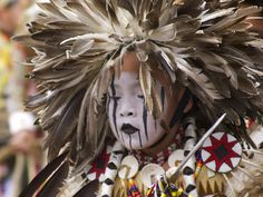 White Wolf : Sacred Meaning of Indigenous Face Paints: 22 Painted Faces That Tell Stories Native American Warrior, Native American Regalia, Native American Clothing, Native American Photos, American Spirit, Native American History, Indian Pow Wow, Native Indian, Native Art