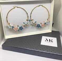 Diy Gemstone Earrings, Lucite Flower Earrings, Beaded Earrings, Beaded Jewelry, Earrings Handmade, Diy Jewelry Rings, Wire Jewelry Designs, Diy Crafts Jewelry, Cute Jewelry