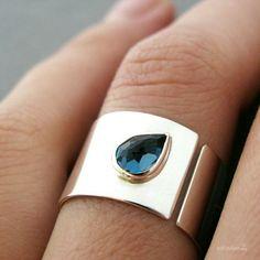 Bijoux Design, Schmuck Design, Jewelry Design, Jewelry Rings, Jewelery, Silver Jewelry, Jewelry Accessories, Heart Jewelry, Silver Earrings