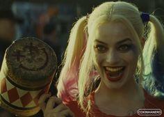 Mergulhe na história passional de Harley Quinn!