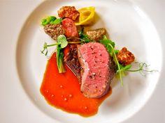 Как выглядит обед в лучшем ресторане мира  Четыре способа приготовления колорадского ягненка — равиоли, колбаски, ребрышки и «сладкое мясо».