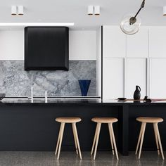 Williamstown kitchen with @lindseyadelman pendant sneaking into shot. Strong…