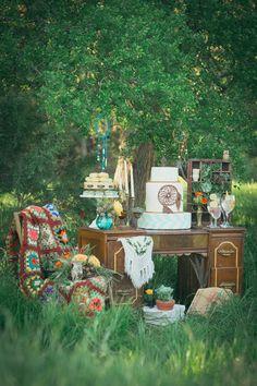 Foto 3 de 9 Mesa de dulces en una boda al aire libre y bohemia | HISPABODAS