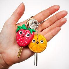 Милые и забавные, стильные и удобные держатели для ключей на http://www.n-direct.gift/market/product/derzhatel-dlja-klyucha. Выполненные из силикона, держатели могут принять любую форму, какую вы захотите.