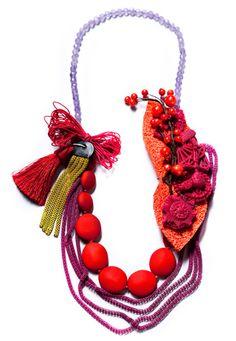 Necklace by Denise Julia Reytan - objets enrobés de silicone, ...