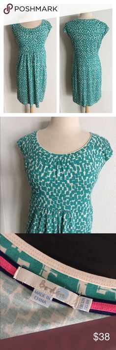 """Boden dress with pockets Boden green and white dress WITH POCKETS! Size 8. Measures 39"""" long with a 37"""" bust. This has great stretch and bust stretches well beyond measurement. 50% modal/ 50% cotton. Very very great used condition!  NO TRADES Reasonable offers accepted Great bundle discounts Boden Dresses Midi"""