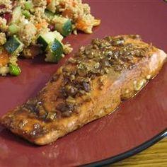 A glaze featuring balsamic vinegar, garlic, honey, white wine and Dijon mustard makes baked salmon fillets extraordinary. Salmon Recipes, Fish Recipes, Marmite Recipes, Cooking Recipes, Healthy Recipes, What's Cooking, Cooking Ideas, Yummy Recipes, Maple Glazed Salmon