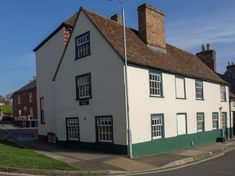 Salisbury Homes, New Housing Developments, Old Pub, New Forest, Old Building, Southampton, Mansions, House Styles