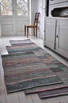 Cheap Carpet Runners For Stairs Shag Carpet, Rugs On Carpet, Loom Weaving, Hand Weaving, Rug Loom, Tapetes Diy, Knit Rug, Rug Runners, Cheap Carpet Runners