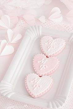 Pastel pink heart cookies for Valentine's Day Pretty Pastel, Pastel Pink, Pastel Colours, Deco Rose, Caramel Cookies, Heart Cookies, Pink Cookies, Everything Pink, Cute Food