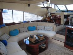 Inside the Fairline Squadron 58 is a great place to live during a journey. To contact the owner : http://fairline-squadron-private.jimdo.com