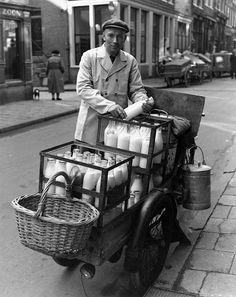 Delivering milk bottles house to house  - back in the day (De melkboer kwam aan huis)