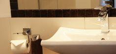 Hanna testet: Seaside Townhouse Timmendorfer Strand Sink, Home Decor, Sink Tops, Vessel Sink, Decoration Home, Room Decor, Sinks, Interior Design, Home Interiors