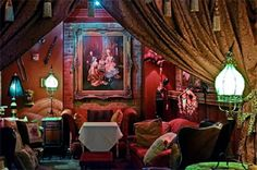The Séance Lounge at Muriel's Jackson Square restaurant in the French Quarter of New Orleans Chartres St New Orleans) New Orleans Halloween, New Orleans Voodoo, New Orleans Louisiana, Jackson Square, New Orleans Travel, Bourbon Street, Crescent City, French Quarter, New Beginnings