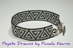 Triangular Key peyote bracelet by Peyote Dreams, via Flickr