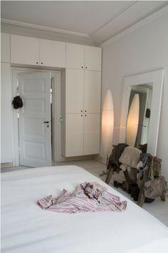 wardrobe storage around the door frame