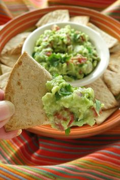 You'll make this Easy Guacamole Dip again and again because you just can't beat the fresh homemade taste! Guacamole Recipe Easy, Guacamole Dip, Mexican Dinner Recipes, Low Carb Dinner Recipes, Budget Freezer Meals, Frugal Meals, Dip Recipes, Budget Recipes, Healthy Recipes