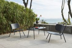 Buy the Low armchair Swim from Bibelo, on Made in Design - 48 to 72 hours delivery. Metal Furniture, Outdoor Furniture Sets, Indoor Outdoor, Outdoor Decor, Trendy Colors, Craftsman, Swimming Pools, Armchair, Patio