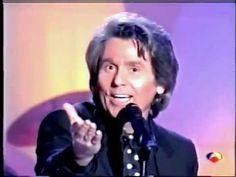 """Raphael canta en """"De tú a tú"""" con Nieves Herrero. 1993"""