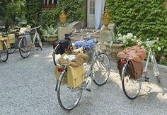 Alforjas de piel para bicicletas - Universo Trussardi - TELVA.com