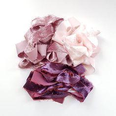 Sieh dir dieses Produkt an in meinem Etsy-Shop https://www.etsy.com/de/listing/580475197/silk-velvet-ribbon-hand-dyed-velvet