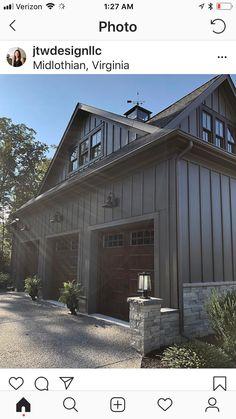 Mountain Home Exterior, Black House Exterior, Garage Exterior, Exterior House Colors, Exterior Homes, Metal Barn Homes, Metal Building Homes, Building A House, Modern Farmhouse Exterior