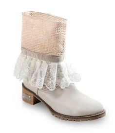 LACE MINI BOOT BY SORELLE