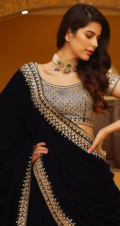 Party Wear Indian Dresses, Indian Fashion Dresses, Indian Outfits, Choli Designs, Saree Blouse Designs, Indian Attire, Indian Wear, Sexy Outfits, Fashion Outfits