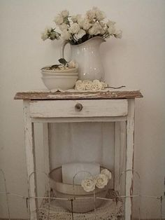 Distressed white table, ironstone. Esprit Shabby Chic