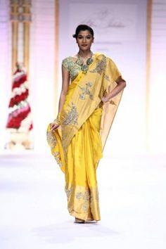 Pallavi Jaikishan for IBFW Mumbai, 2013.